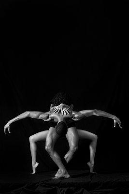 Dancers - p1472m1548201 by Alfonse Pagano