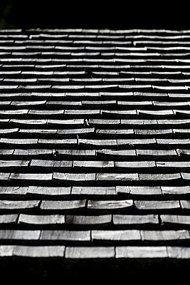 Wooden shingle - p248m952986 by BY