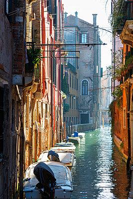 Europe, Italy, Veneto, Venice, canal boats - p651m1005680 by Christian Kober