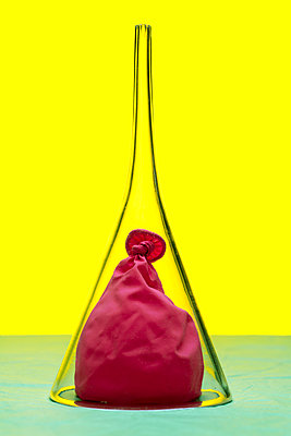 Balloon under glass container - p265m2044665 by Oote Boe