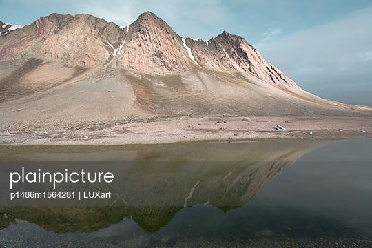 Am Lomfjord, Spitzbergen - p1486m1564281 von LUXart