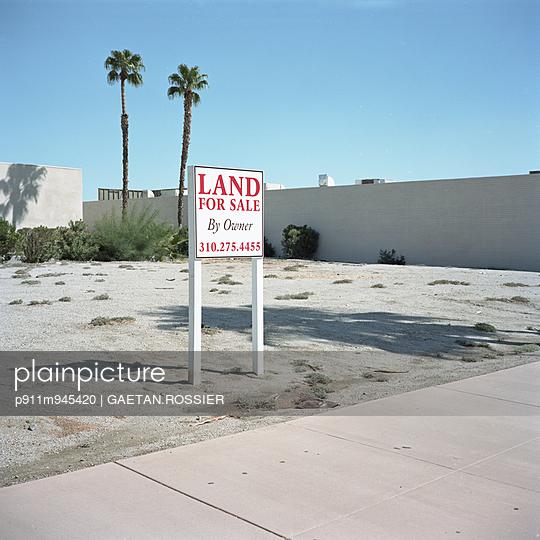 La La Land - p911m945420 by Gaëtan Rossier