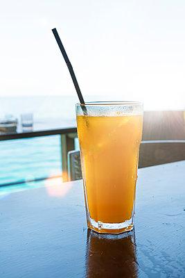 Cooled juice - p454m2037719 by Lubitz + Dorner