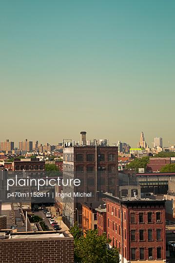 Blick über Brooklyn - p470m1152811 von Ingrid Michel
