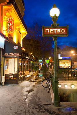 Maubert-Mutualite Metro Station And Cafe At Dawn In The Latin Quarter (Quartier Latin) On The Left Bank, Paris, France - p644m785922 by Ian Cumming