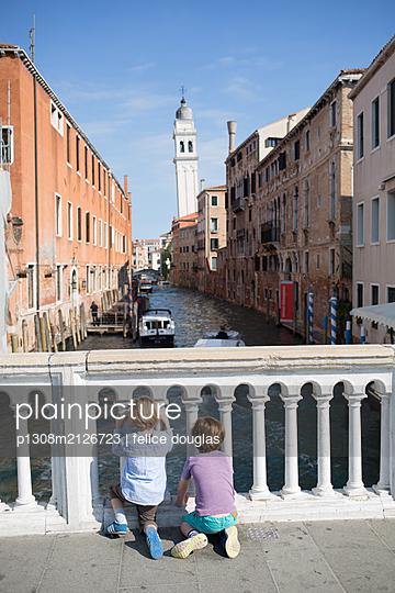 Kids in Venice - p1308m2126723 by felice douglas