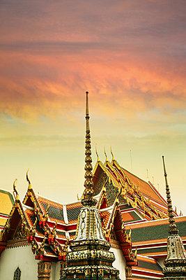 Königliche Idylle, Wat Phra Kaeo, Thailand - p375m1021398 von whatapicture
