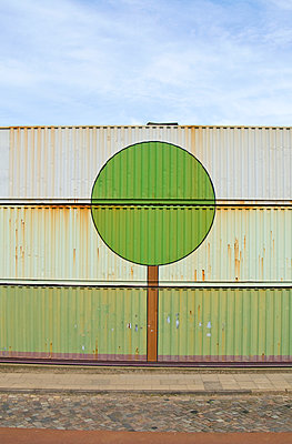 Containers with tree - p116m908085 by Gianna Schade