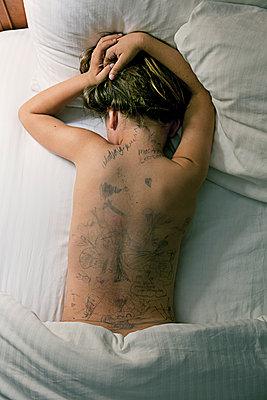 Tattooed Back - p1636m2216362 by Raina Anderson