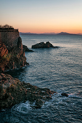 Sunset in Biarritz - p470m1190620 by Ingrid Michel
