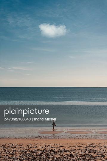 Beach walk - p470m2108840 by Ingrid Michel