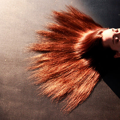 Red-haired woman - p1105m2082574 by Virginie Plauchut
