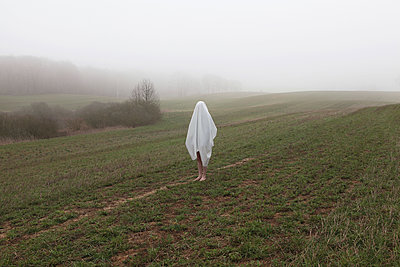 Ghost in the landscape - p1519m2125756 by Soany Guigand