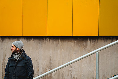 Man looking away - p312m2119899 by Johner