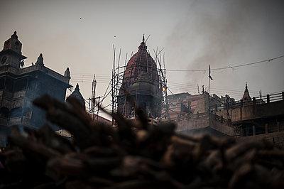 Varanasi - p1007m1059988 by Tilby Vattard