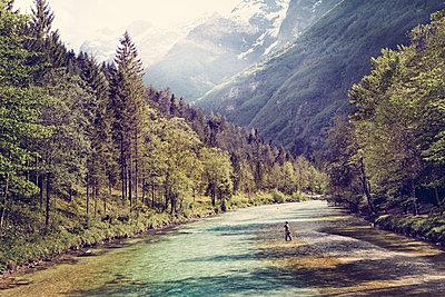 Slovenia, man fly fishing in Soca river - p300m1499201 by Matthias Buchholz