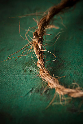 Old rope - p7940511 by Mohamad Itani