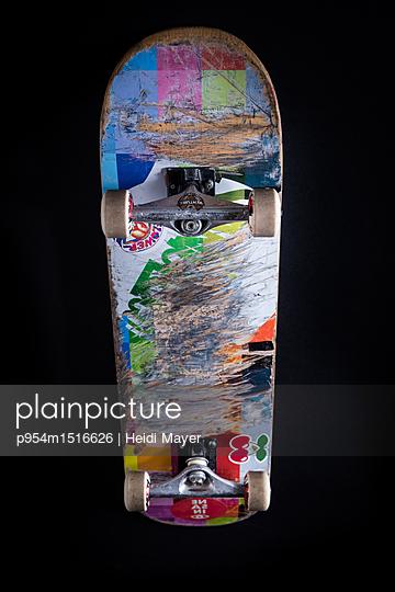 Skateboard - p954m1516626 von Heidi Mayer