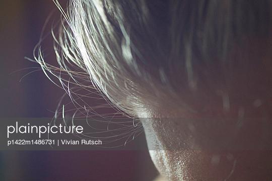Haare im Licht - p1422m1486731 von Vivian Rutsch
