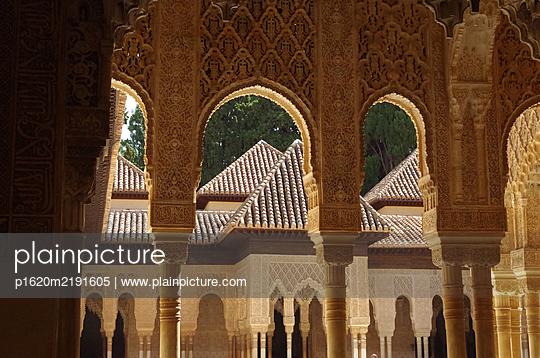 Alhambra Löwenhof - p1620m2191605 von Cornelia Greil