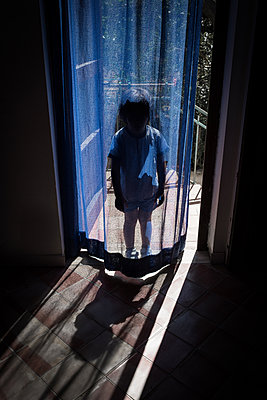 Hide child - p1623m2209140 by Donatella Loi