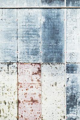 construction wall - p335m1564432 von Andreas Körner