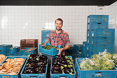 biological supermarket - p1132m1128484 by Mischa Keijser