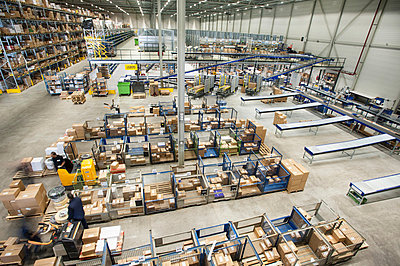 Assembled orders in distribution warehouse - p429m803063f by Arno Masse