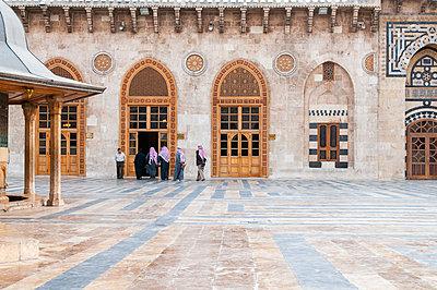 Umayyaden-Moschee in Aleppo, Syrien - p1493m2063999 von Alexander Mertsch