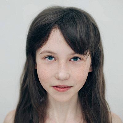 Portrait of Caucasian girl - p555m1444275 by Vladimir Serov