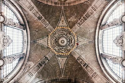 Kuppel im Neuen Rathaus in Hannover - p1046m1220956 von Moritz Küstner