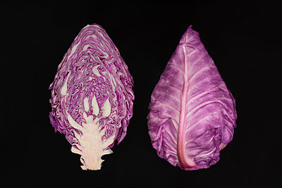 Red Cabbage - p1323m1182006 by Sarah Toure