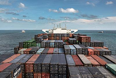 Frachtschiff - p915m2022173 von Michel Monteaux
