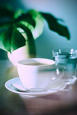 Kaffee trinken - p1149m1144553 von Yvonne Röder