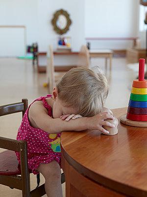 Little girl - p913m1538445 by LPF