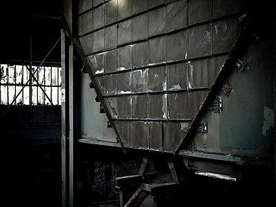 Industrieruine - p416m991150 von Stephan Jouhoff