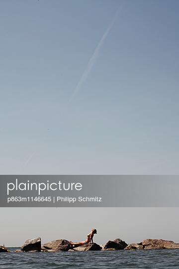 Felsstreifen - p863m1146645 von Philipp Schmitz