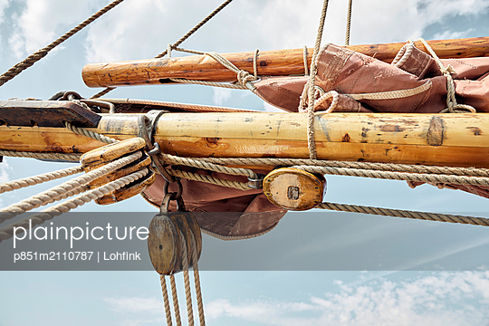 Rigging on sailing ship - p851m2110787 by Lohfink