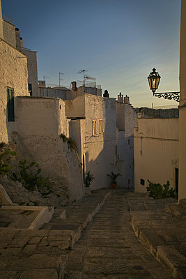 Italy, Old town of Ostuni - p1399m2217349 by Daniel Hischer