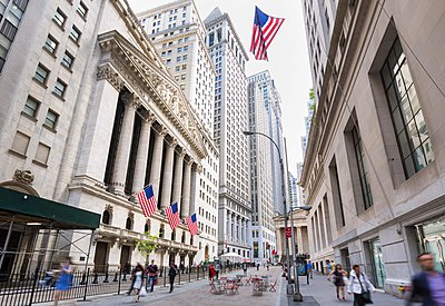 New York stock exchange and American flags, New York, USA - p429m1095553f by Henglein and Steets