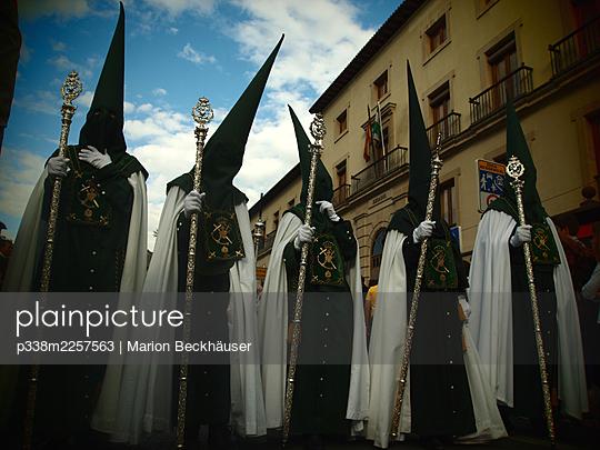 Spain, Granada, Andalusia, Semana Santa - p338m2257563 by Marion Beckhäuser