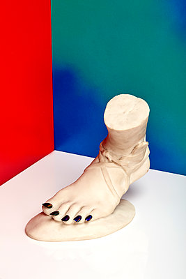 Artificial foot - p1673m2263474 by Jesse Untracht-Oakner