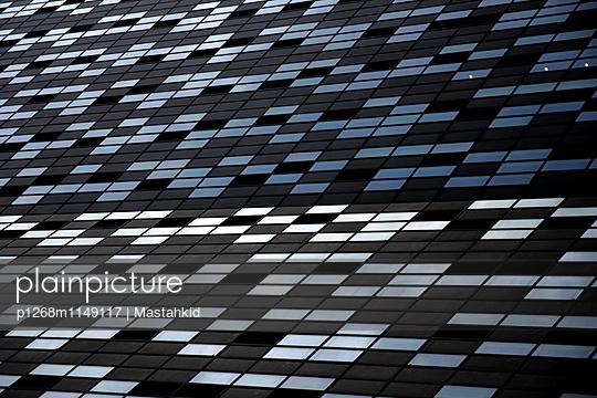 Millionen Fenster - p1268m1149117 von Mastahkid