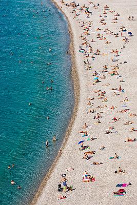 France, Nice, beach - p300m2077956 von Werner Dieterich