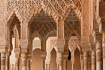 Löwenhof in der Alhambra - p781m881274 von Angela Franke