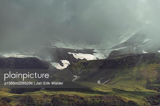 Dark clouds coming - p1585m2285296 by Jan Erik Waider