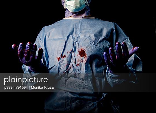 Chirurg - p999m791594 von Monika Kluza