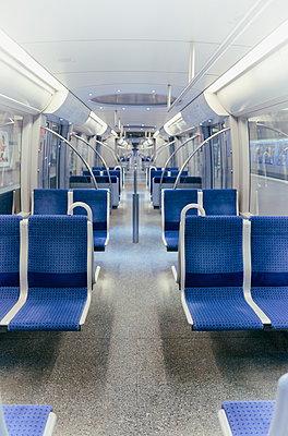 Interior train underground empty new modern metro - p609m1473059 by OSKARQ