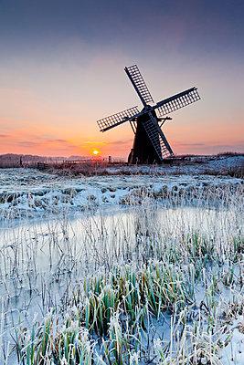 Herringfleet Mill in Winter, Suffolk, England - p651m2007106 by Tom Mackie