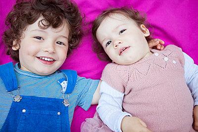 Bruder und Schwester - p045m1440053 von Jasmin Sander